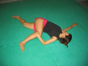 腹斜筋群のスタティックストレッチ